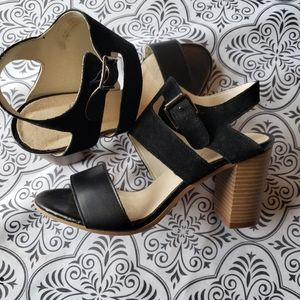 Size 37 Bos & Co sandals